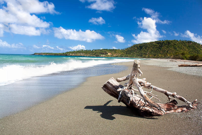 Praia tropical bonita em Baracoa, Cuba imagem de stock