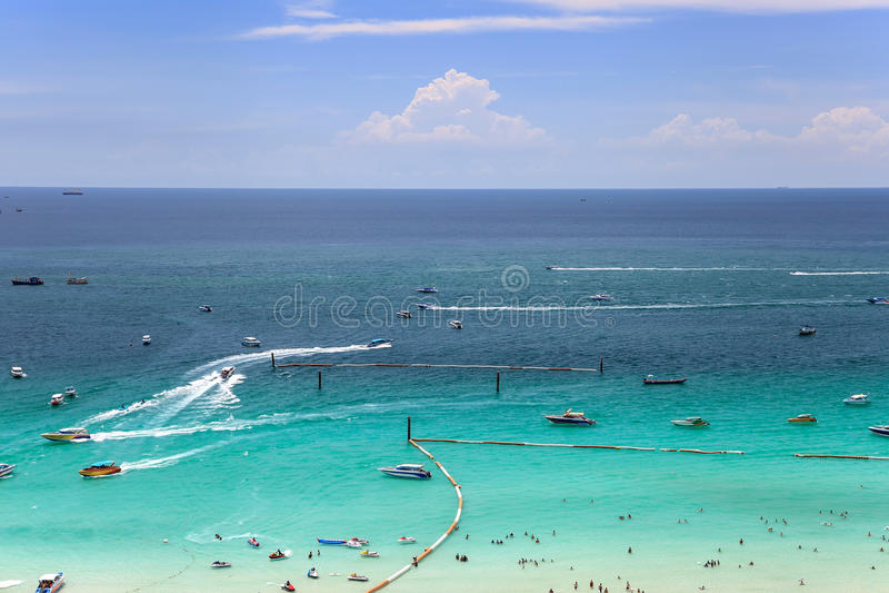 Praia tropical do oceano foto de stock