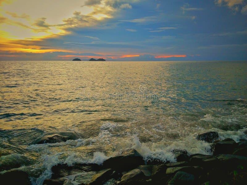 Praia tropical do para?so em Indon?sia imagem de stock royalty free