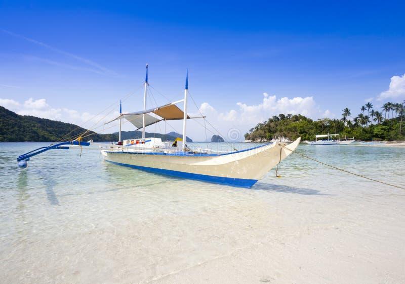 Praia tropical, EL Nido, Palawan, Filipinas fotografia de stock
