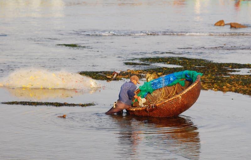Praia tropical em Nha Trang, Vietname fotografia de stock royalty free
