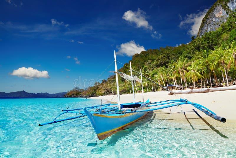 Praia tropical, Filipinas imagem de stock royalty free