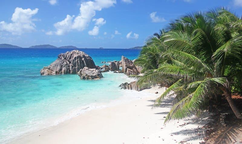 Praia tropical idílico de Seychelles fotos de stock