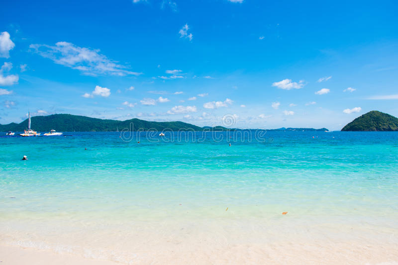 Praia tropical na praia da banana, Coral Island, Koh Hey, Phuket imagens de stock royalty free