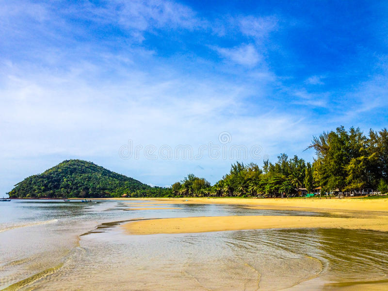 Praia tropical vazia fotografia de stock