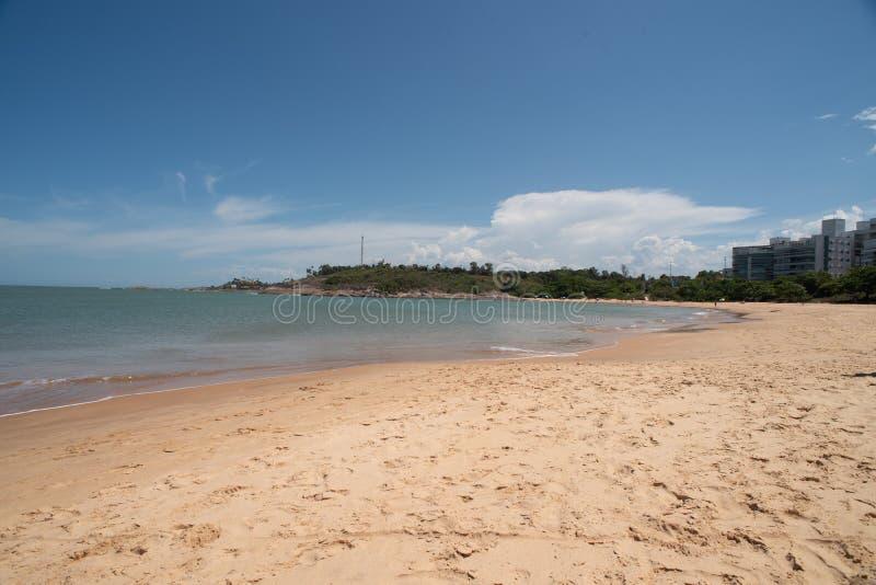 Praia Vitoria ES de Bacutia em Guarapari Brasil foto de stock royalty free