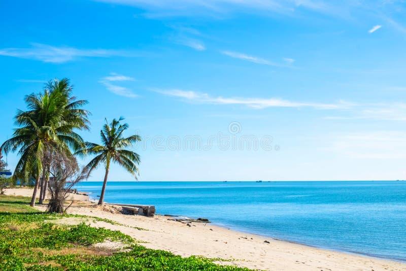 Praias bonitas e águas claras no verão imagem de stock royalty free