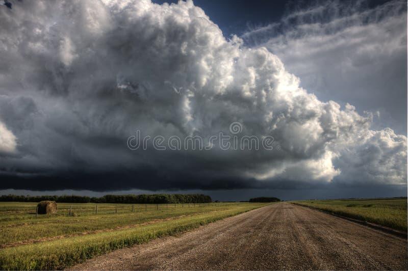 Prairieonweerswolken stock fotografie