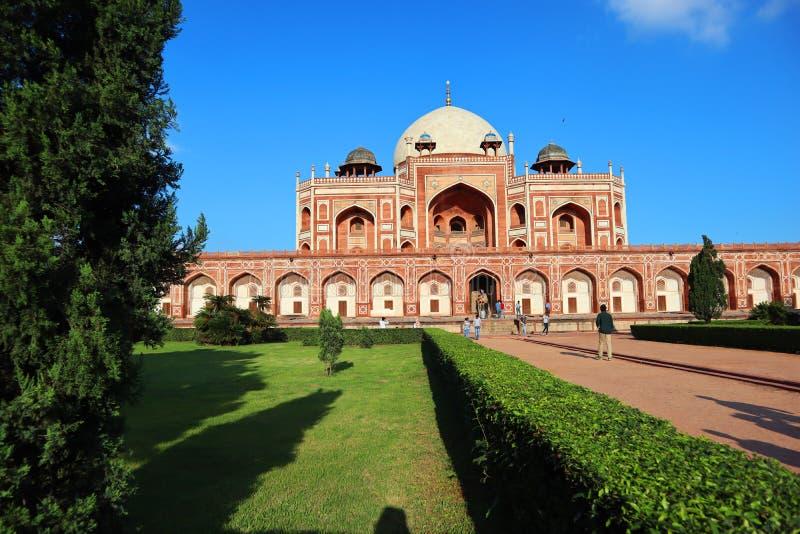 Prakt av historiska monumentHumayuns gravvalv p? New Delhi - bild royaltyfri bild