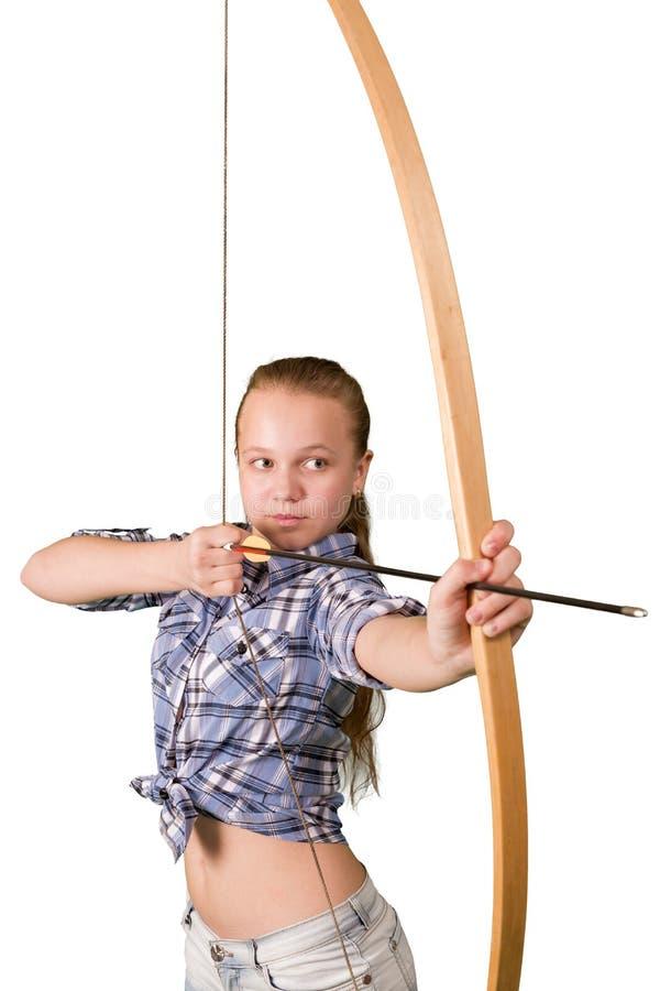 Praktiserande bågskytte för tonårig flicka som isoleras på vit bakgrund arkivbilder