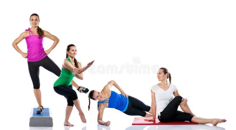 Praktiserande yoga för ung kvinna arkivbilder