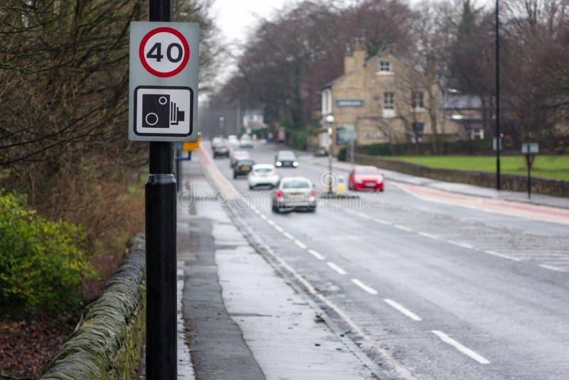 praktisk kommersiell körande fläck för hastighet för tecken för gränsvägskola arkivbilder