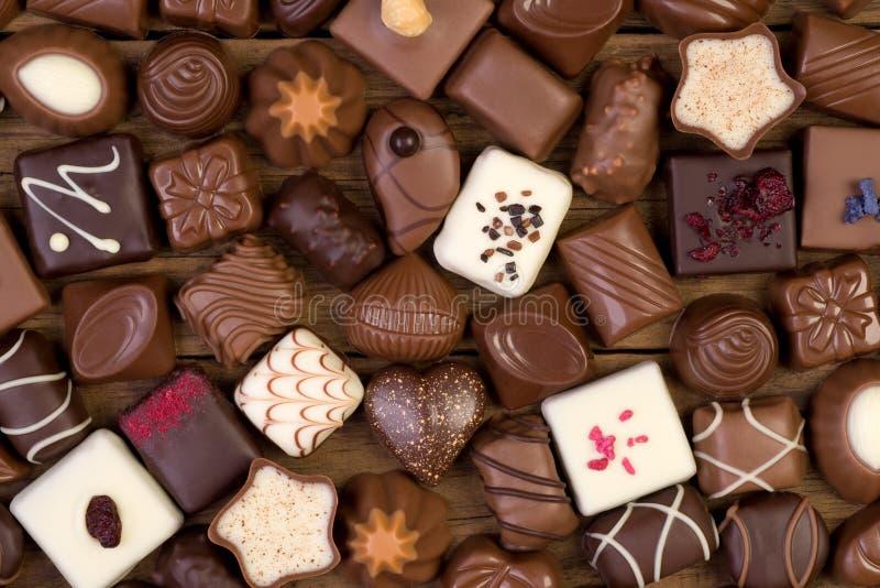 Pralines Assorted do chocolate imagens de stock royalty free