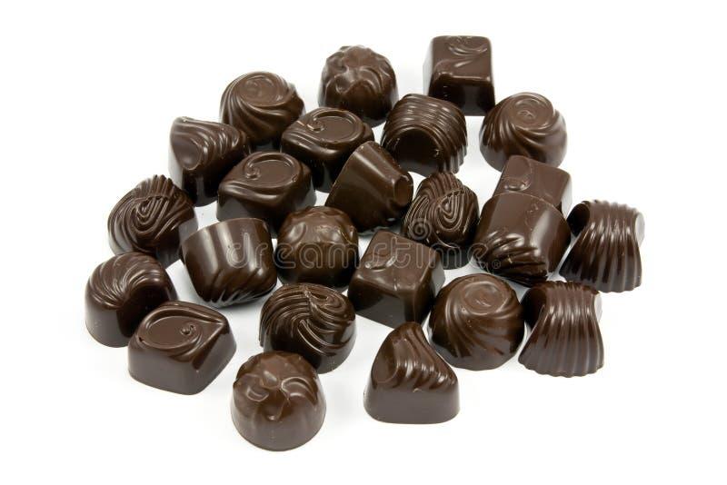 Pralines assorties foncées de chocolat photo libre de droits