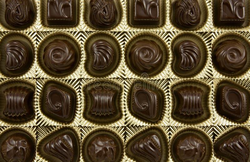 Pralines foncées de chocolat image stock