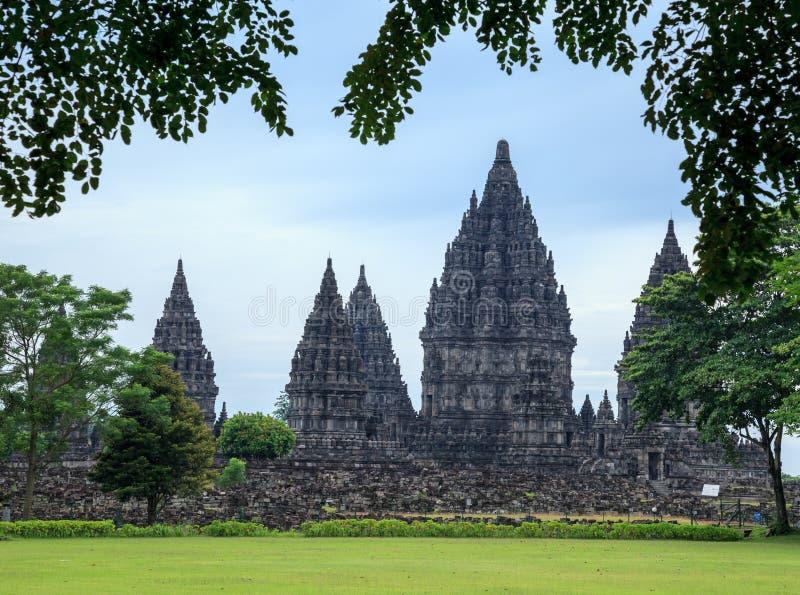 Prambanan. самый большой индусский висок, Ява, Индонезия стоковые фотографии rf