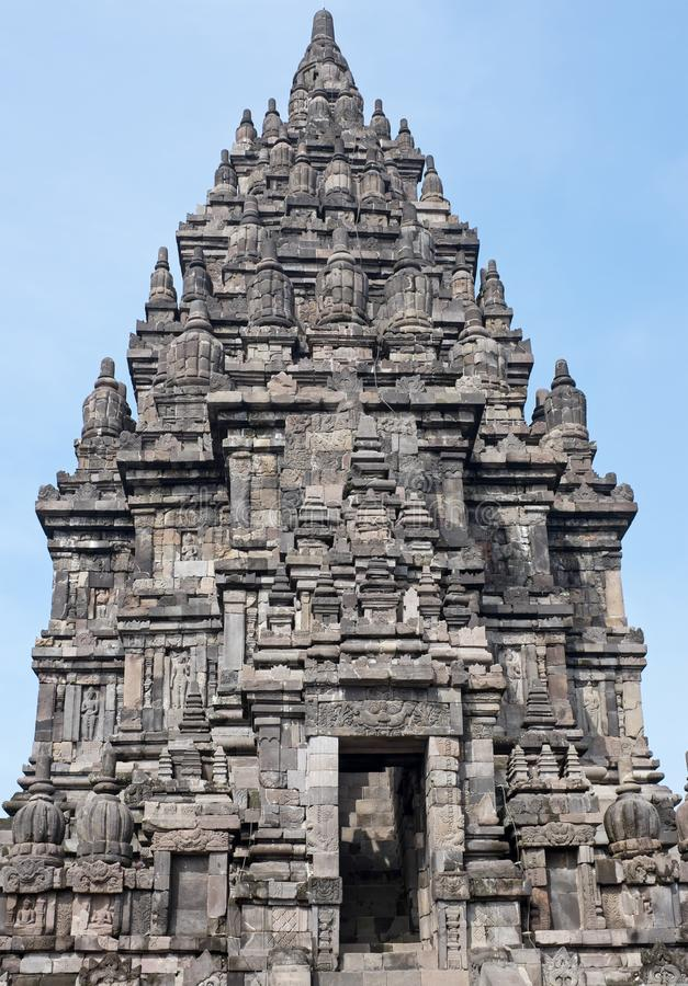 Prambanan o Candi Rara Jonggrang es un compuesto del templo hindú adentro imagen de archivo libre de regalías