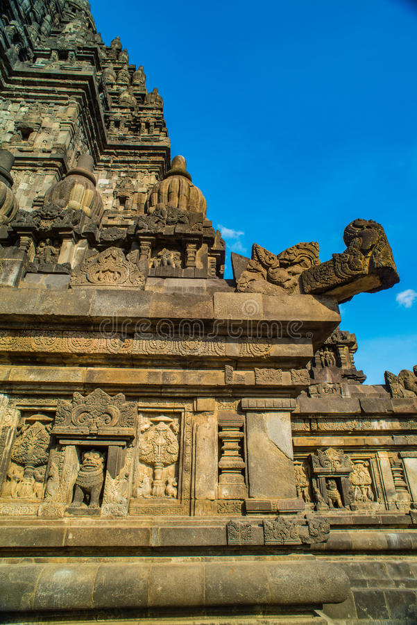Prambanan o Candi Rara Jonggrang es un compuesto del templo hindú en Java, Indonesia, dedicada al Trimurti: el creador Brahma, imagenes de archivo