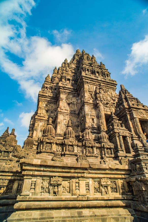 Prambanan o Candi Rara Jonggrang es un compuesto del templo hindú en Java, Indonesia, dedicada al Trimurti: el creador Brahma, imagen de archivo libre de regalías
