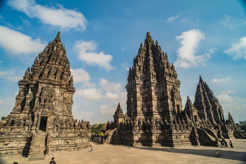 Prambanan oder Candi Rara Jonggrang ist ein Mittel des hindischen Tempels in Java, Indonesien, eingeweiht dem Trimurti: der Schöp stockbilder