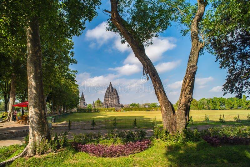 Prambanan oder Candi Rara Jonggrang ist ein Mittel des hindischen Tempels in Java, Indonesien, eingeweiht dem Trimurti: der Schöp lizenzfreies stockfoto