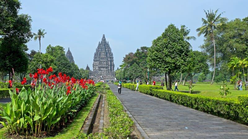 Prambanan ou Candi Rara Jonggrang são um composto do templo hindu dentro fotografia de stock