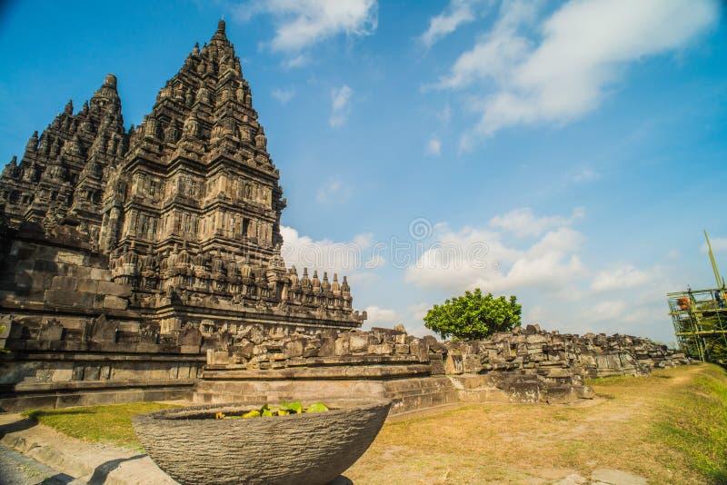 Prambanan ou Candi Rara Jonggrang são um composto do templo hindu em Java, Indonésia, dedicada ao Trimurti: o criador Brahma, imagem de stock royalty free