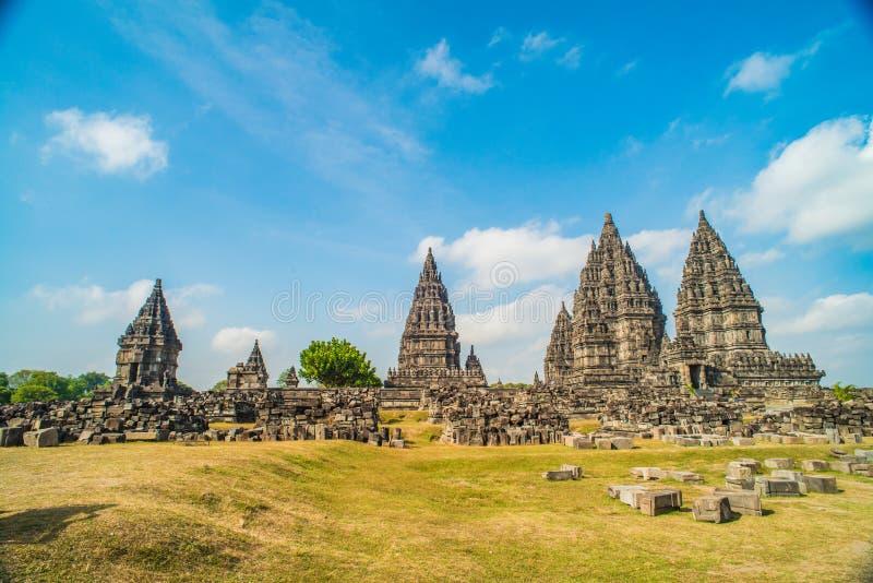 Prambanan Rara Jonggrang lub Candi jesteśmy Hinduskiej świątyni mieszanką w Jawa, Indonezja, dedykujący Trimurti: twórca Brahma, fotografia stock