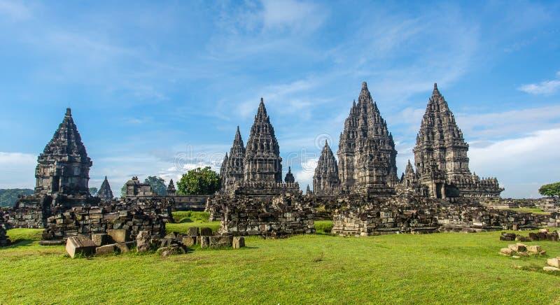 Prambanantempel dichtbij Yogyakarta op het eiland van Java royalty-vrije stock foto's