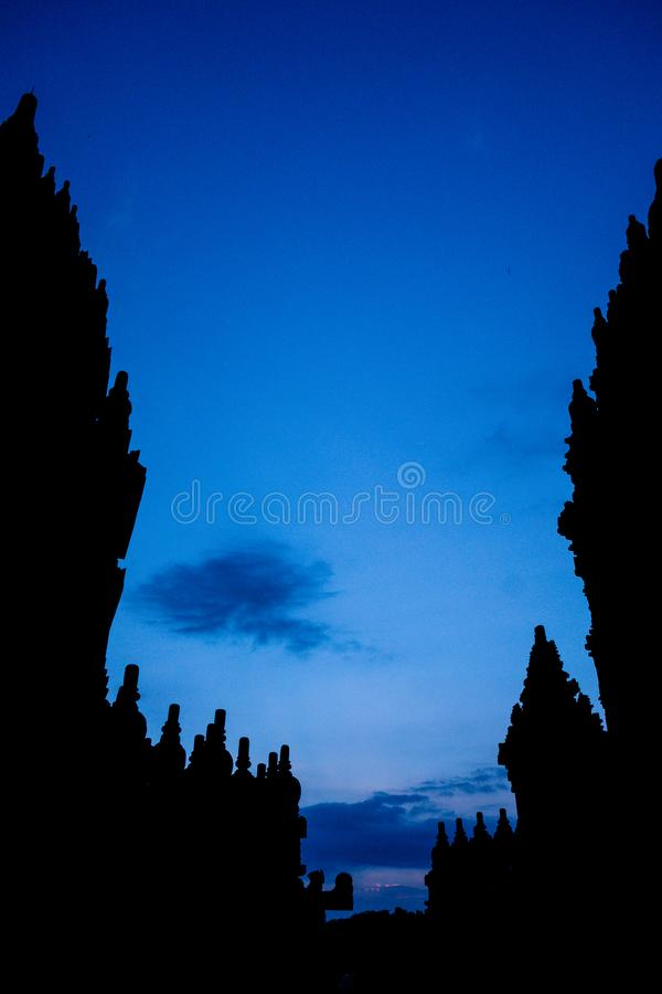 Prambanantempel, Yogyakarta, Indonesië bij schemering royalty-vrije stock foto's