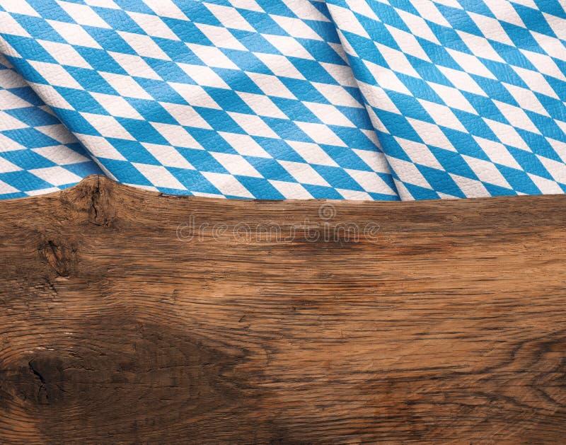 Prancha de madeira com a bandeira bávara imagens de stock royalty free