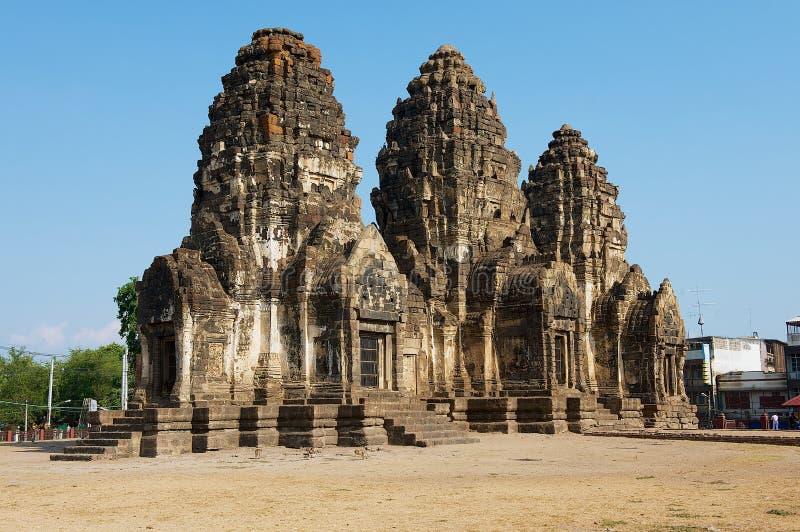 Prang Sam Yot, ursprünglich ein hindischer Schrein, umgewandelt bis ein buddhistisches in Lopburi, Thailand lizenzfreie stockbilder