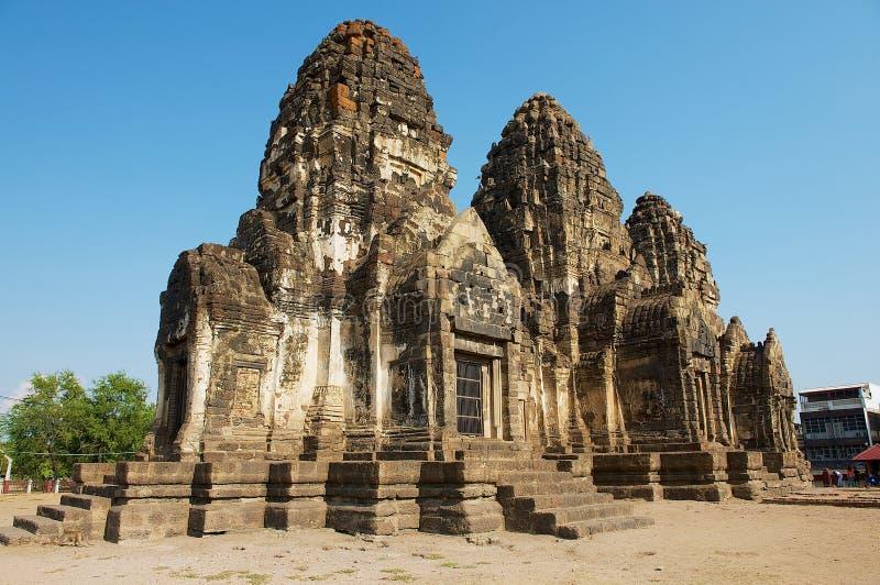 Prang Sam Yot, ursprünglich ein hindischer Schrein, umgewandelt bis ein buddhistisches in Lopburi, Thailand stockbild