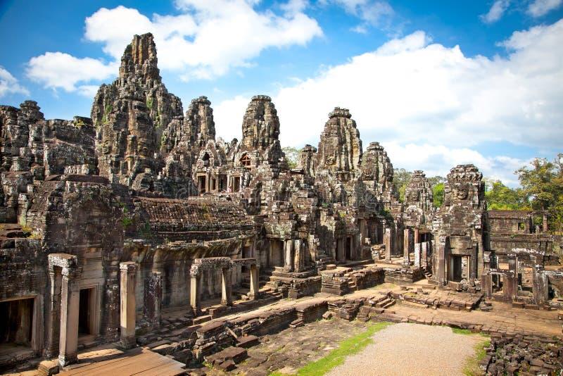 Prasat Bayon tempel i Angkor Thom, Cambodja arkivbilder