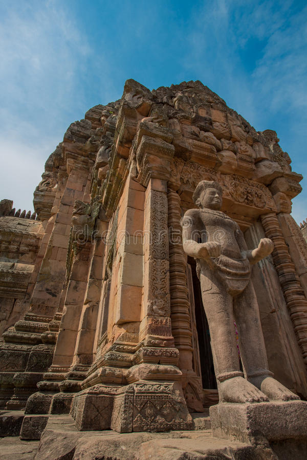 Prasat Phanom ringde historiskt parkerar royaltyfri foto