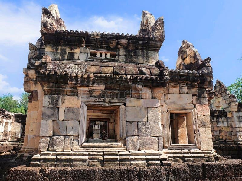 Prasat Sdok Kok Thom, det historiskt parkerar i Thailand arkivfoton