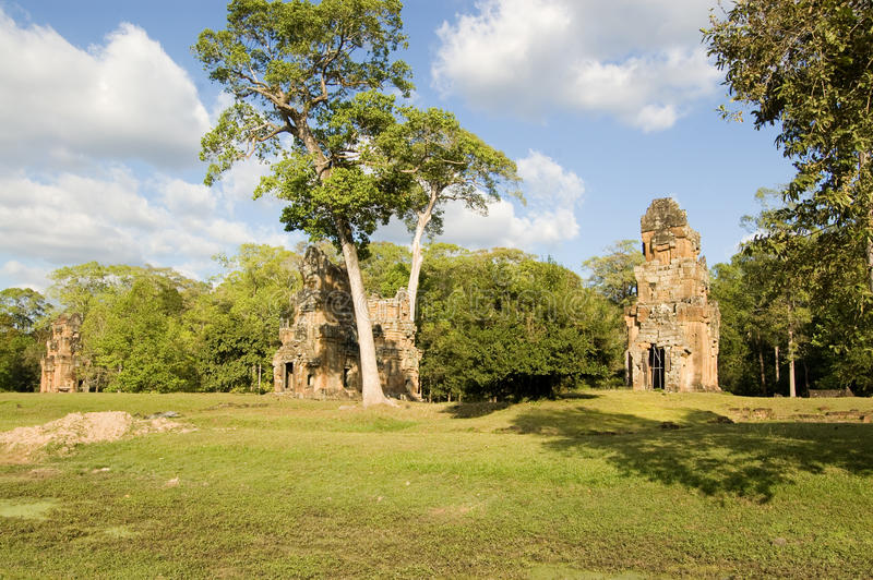 Download Prasat Suor Prat Towers, Angkor Stock Image - Image: 25505827