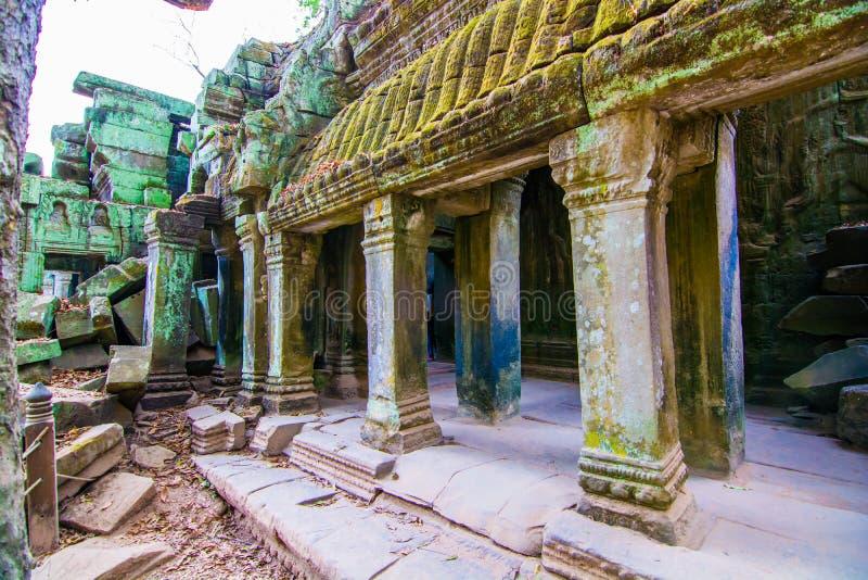 Prasat TA Phrohm es un castillo de piedra construido en el período antiguo del Khmer fotografía de archivo