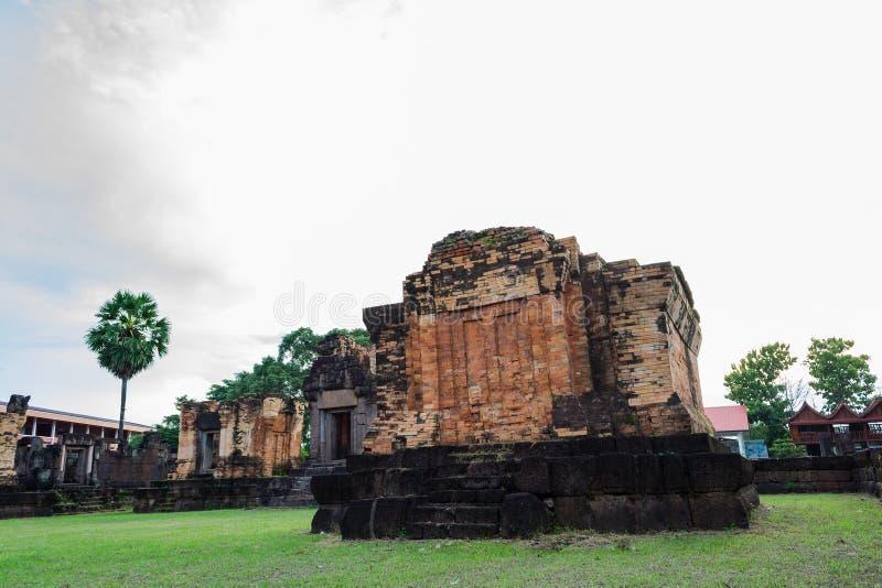 Prasat Wat Sa Kamphaeng Yai, Mahayana buddistisk tempel, Sisaket, royaltyfri bild
