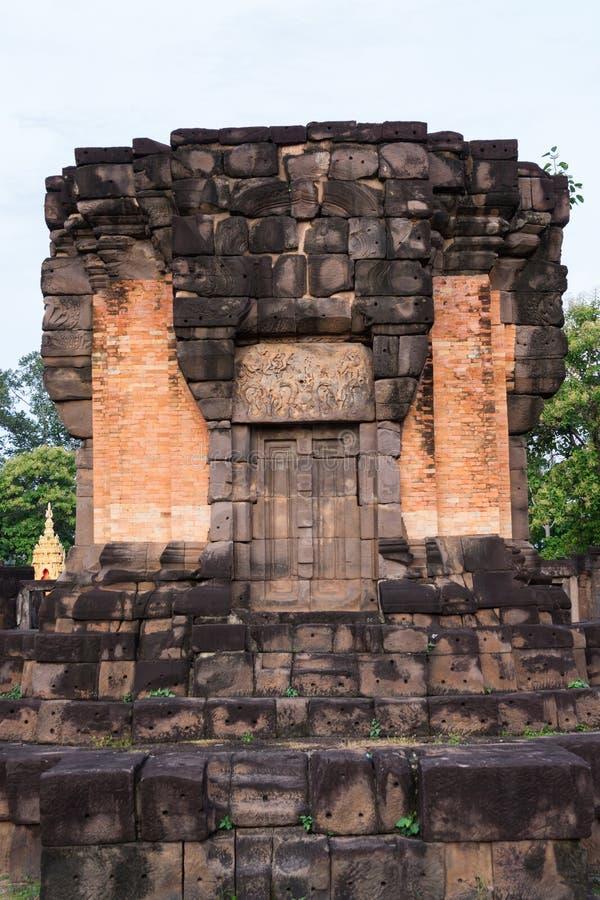 Prasat Wat Sa Kamphaeng Yai, Mahayana buddistisk tempel, Sisaket, royaltyfri fotografi
