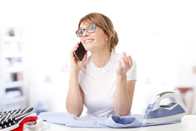 Prasowanie kobieta zdjęcia stock