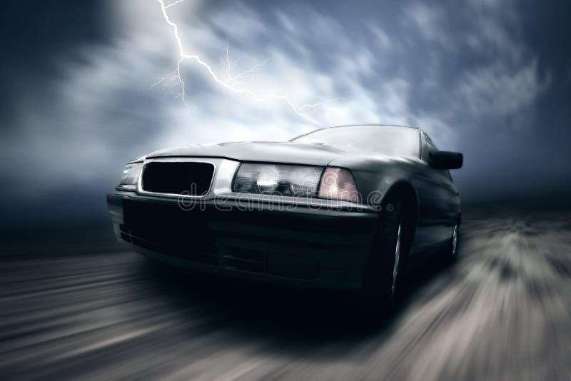 Prata bonita da velocidade sportcar na estrada imagens de stock royalty free