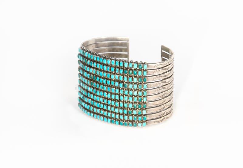 Prata do nativo americano e bracelete do punho de turquesa imagens de stock