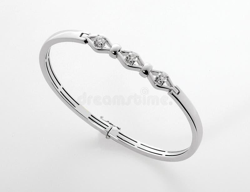Prata ou bracelete ou pulseira do diamante da platina fotografia de stock