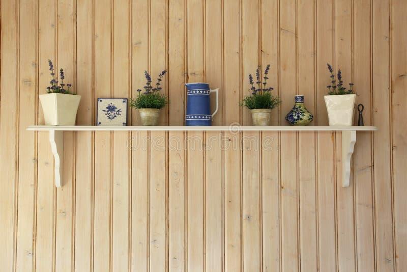 Prateleira da cozinha fotografia de stock
