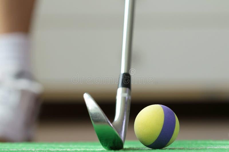 Pratica domestica della palla da golf della schiuma fotografia stock libera da diritti