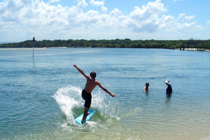 Praticare Il Surfing Del Ragazzo Immagini Stock Libere da Diritti