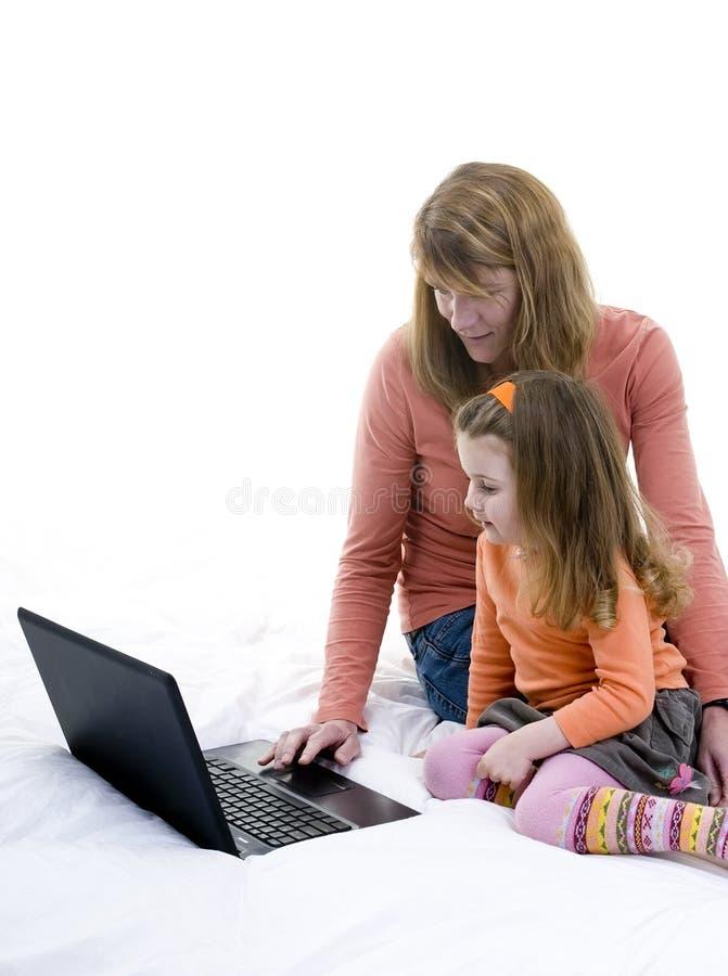 Praticare Il Surfing Della Famiglia Fotografia Stock Libera da Diritti