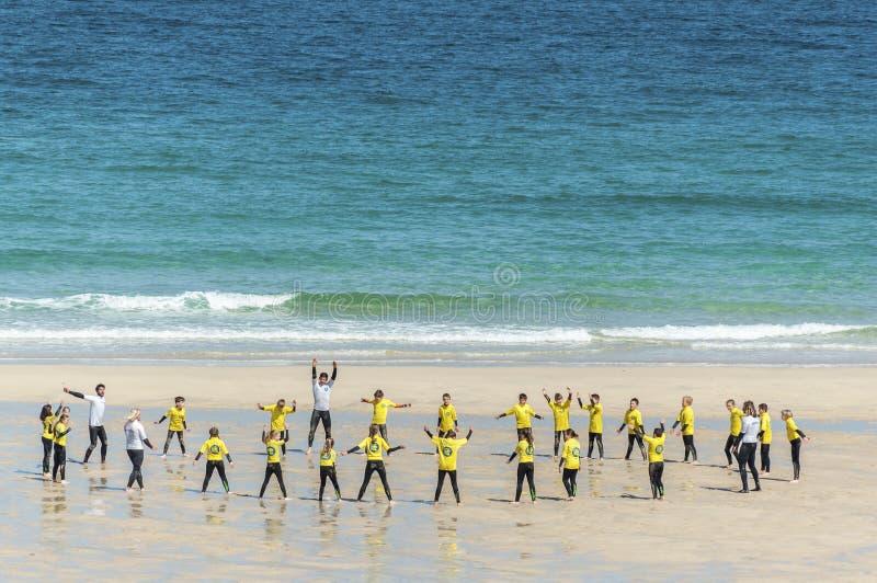 Pratichi il surfing il banco E fotografie stock