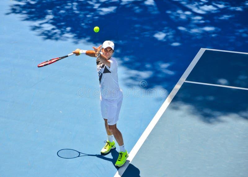Pratique en matière de Roger Federer photographie stock libre de droits